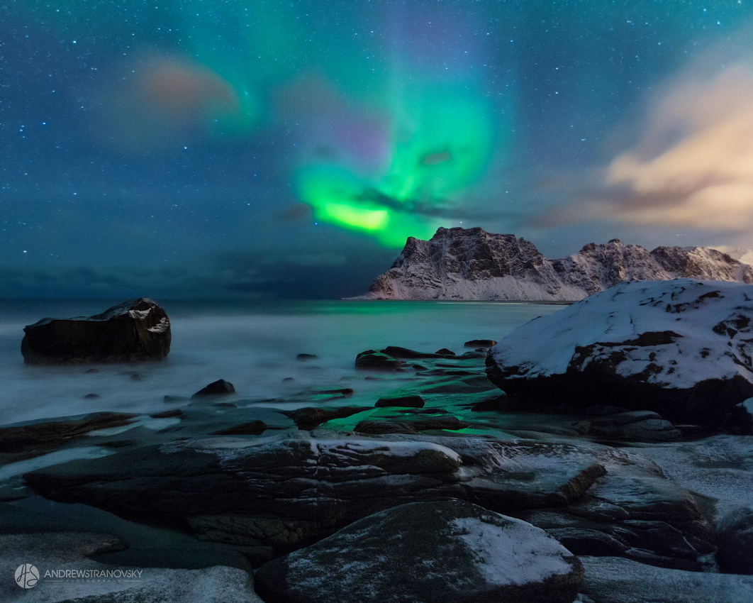 Northern Lights over Uttakleiv Beach in the Lofoten Islands, Norway